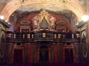 Organ in back  of Mirror Chapel, Prague