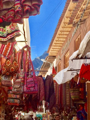 Markets where Peru's crafts are sold